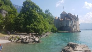 The picturesque beach just a few meters from the castle of Chillon towards Montreux