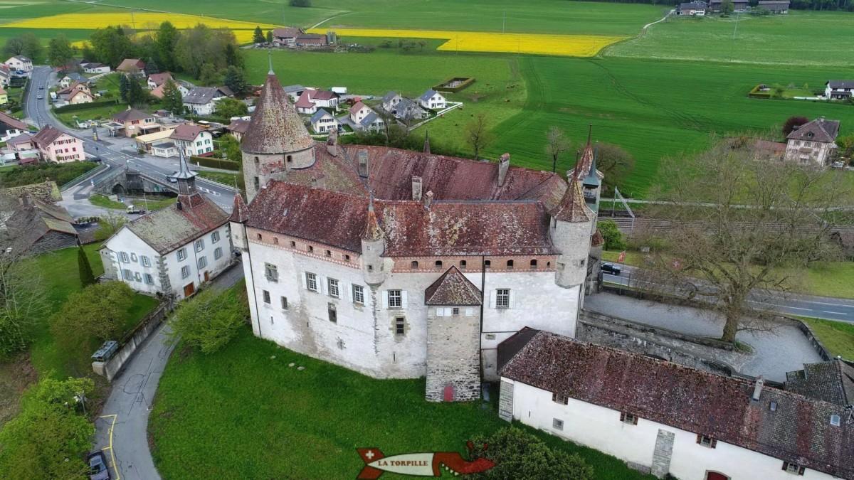 Le château d'Oron est un édifice peu connu mais particulièrement bien conservé et très intéressant à visiter.