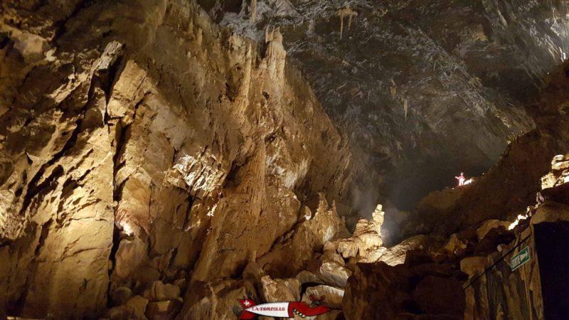 Une salle des grottes de Vallorbe.