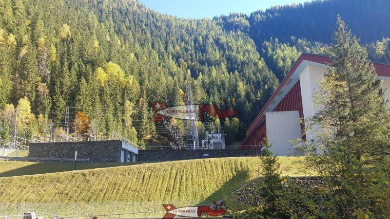 L'usine de Vallorcine en Frrancr qui turbine les eaux du barrage d'Emosson