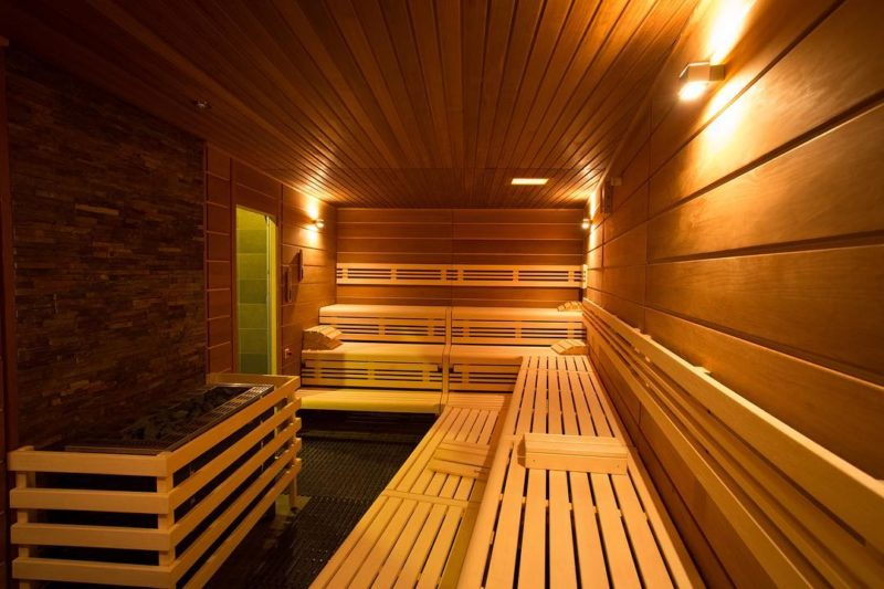 Un sauna. bains thermaux de la gruyère - Charmey