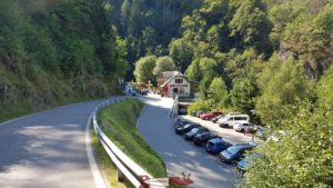 Le parking et le restaurent des gorges du durnand