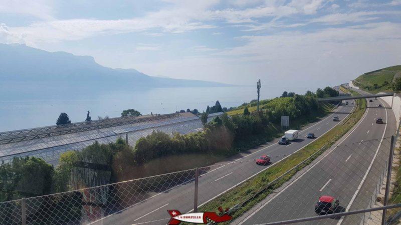 Pont du funiculaire Vevey Mont-Pelerin sur l'autoroute