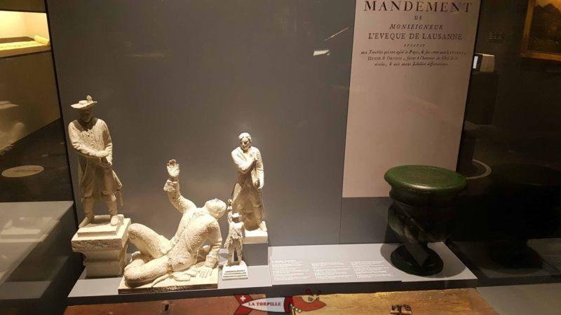 La fameuse urne de Nicolais Chenaux dans une vitrine du musée gruérien