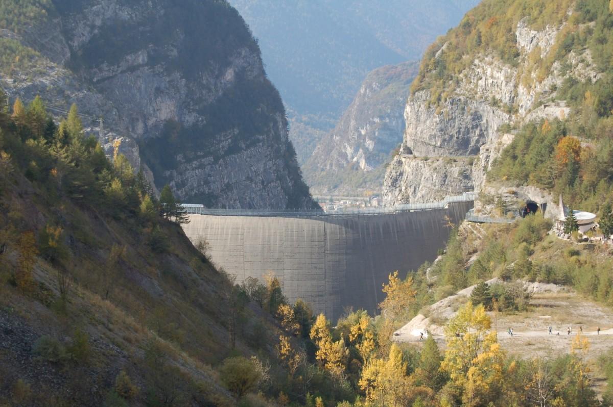 Le barrage de Vajont haut de 261 m, le plus haut d'Italie.