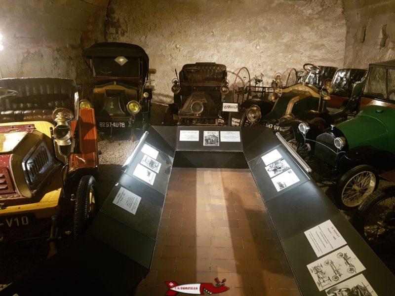 Voitures de collection au rez du château de grandson