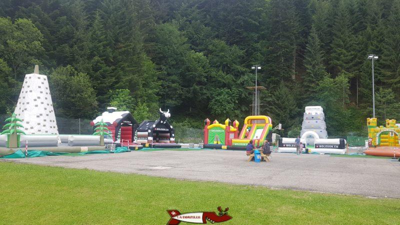 châteaux gonflables proches de la luge d'été au Moléson - parc de loisirs de Moléson