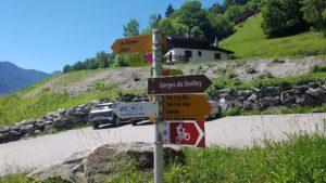 Panneau indicateur et début du parcours des gorges du Dailley aux Granges