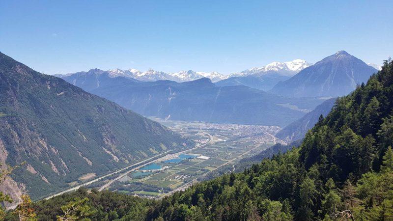 Vue depuis les gorges du Dailley sur la vallée du Rhône.