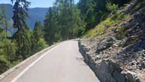 chemin redescendant sur Granges sur le chemin des gorges du dailley