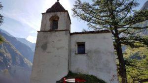 La chapelle près du barrage de Mauvoisin