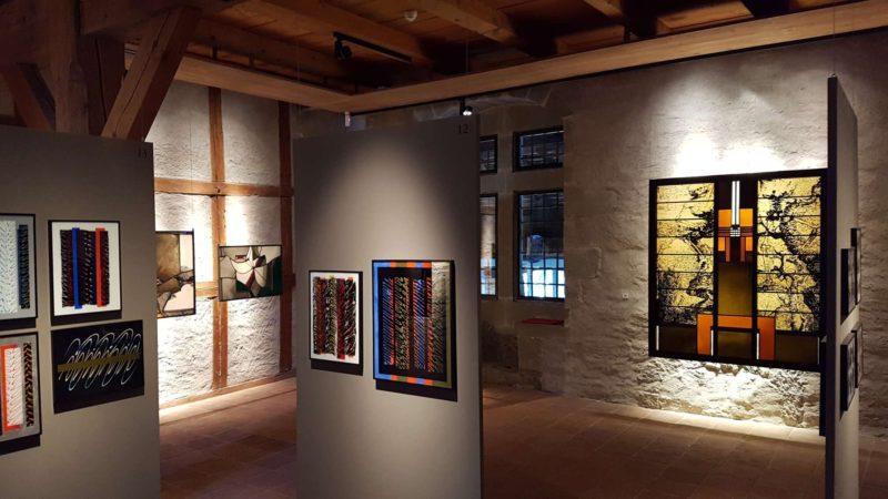 Le vitromusée abrite la plus grande collection au monde de peintures sous verre.