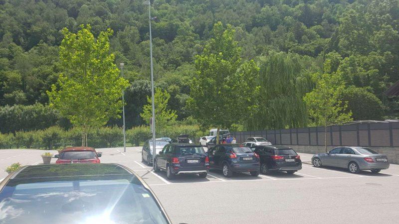 Parking à côté du Barryland
