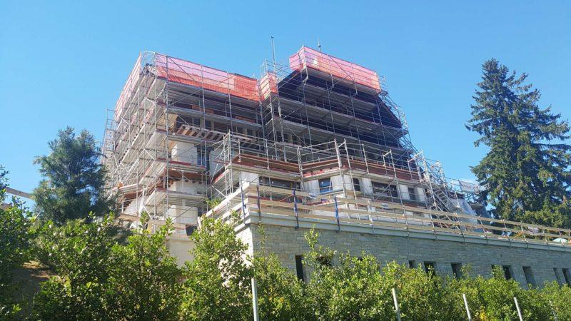 L'ancien hôtel-restaurant de Sonloup en rénovation en 2017 à l'arrivée du funiculaire Les Avants-Sonloup