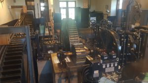 Machinerie d'origine à la gare de d'arrivée du funiculaire Les Avants-Sonloup