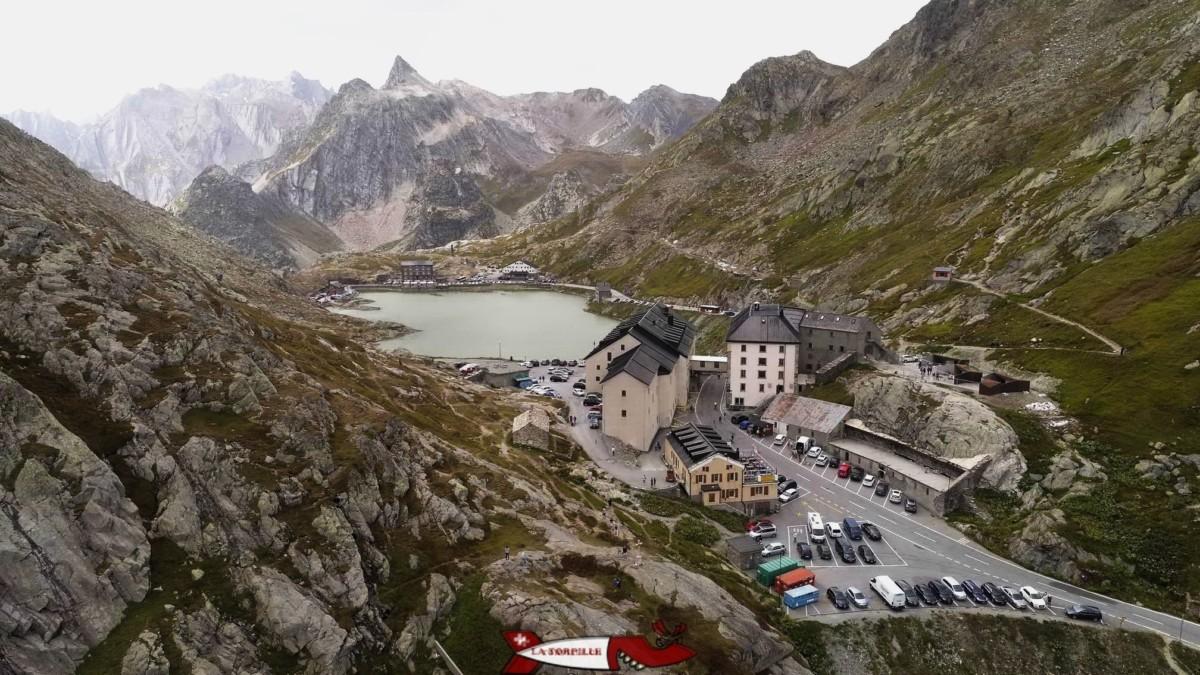 L'hospice du Grand-St-Bernard située au Col du même nom - forts militaires de Suisse Romande