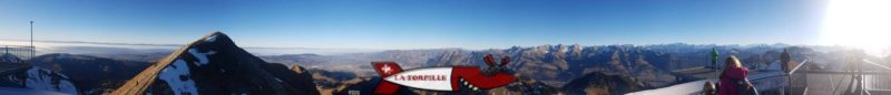 Vue depuis le sommet du Moléson avec oir emprunter les téléphérique et funiculaire du Moléson