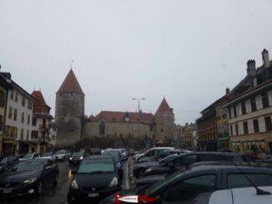 le château d'yverdon construit selon le modèle du carré savoyard comme le château de bulle
