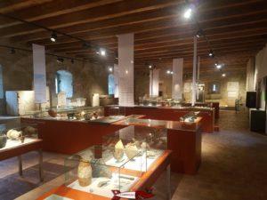 Objets anciens exposés au musée d'Yverdon et Région dans le Château d'Yverdon