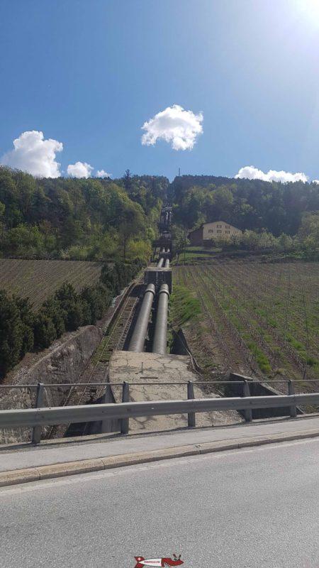 conduites forcées menant à l'usine de Chandoline - barrage de la grande dixence
