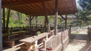 les tables de pic-nic au parc aventure aigle