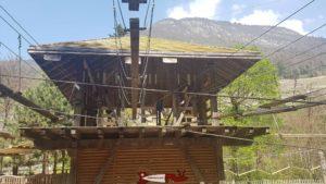 La tour servant de départ aux différents parcours à Parc Aventure Aigle