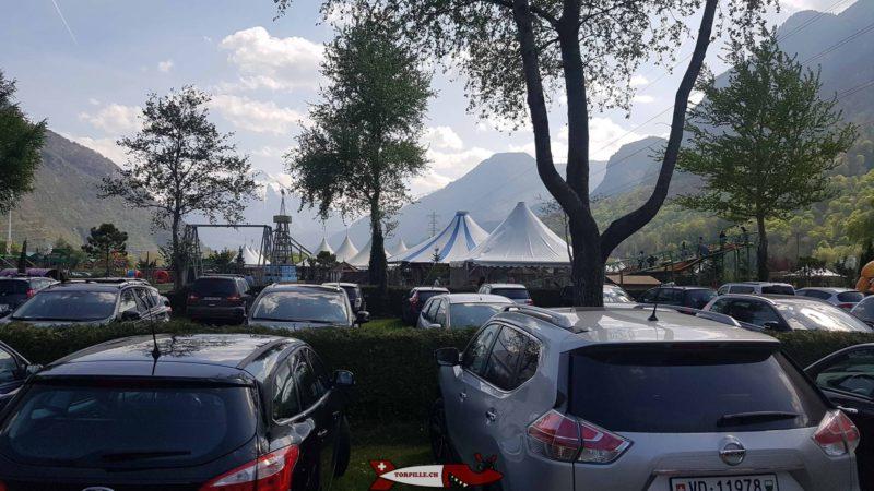 Le parking juste à côté du parc Labyrinthe Aventure Evionnaz