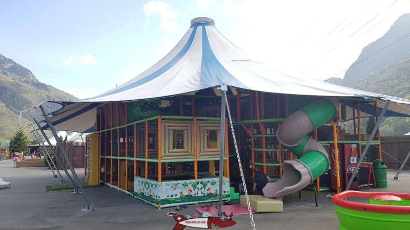 structure de jeux au parc aventure evionnaz