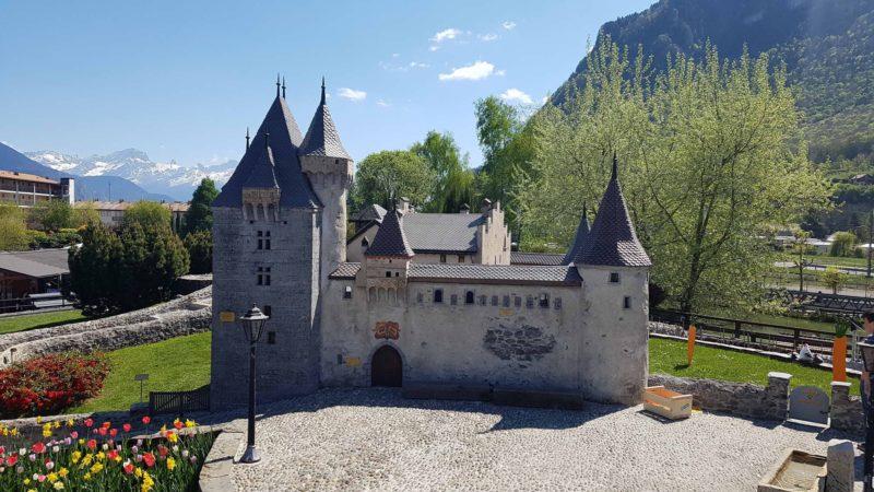 Miniature du chateau d'aigle au Swiss Vapeur Parc