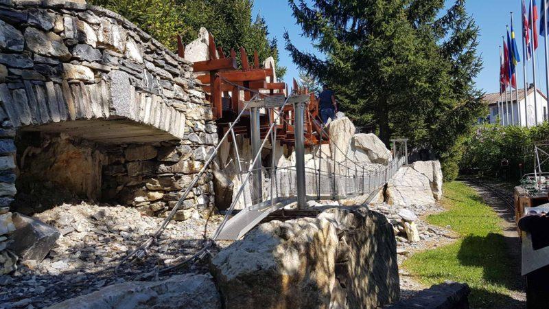 Miniature des passerelles du bisse de Savièse au Swiss Vapeur Parc
