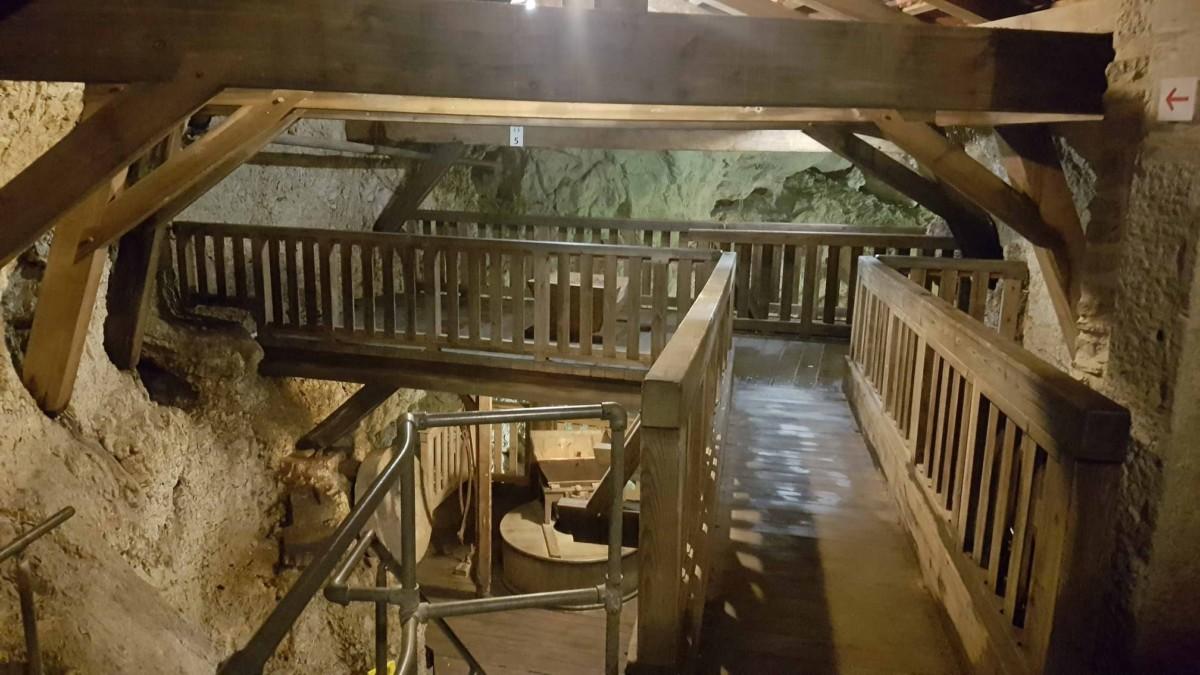 Les moulins souterrains du Col-des-Roches