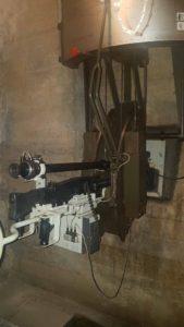Mitrailleuse au fort cindey. Les masques à gaz étaient nécessaire à cause des gaz émis lors des tirs.