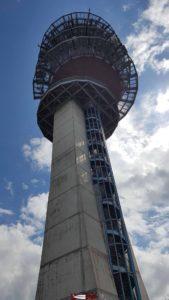 L'antenne du Mont-Gibloux depuis dessous