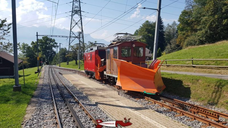The metric rack track of the Pleiades train.