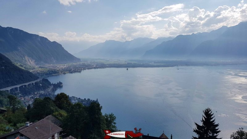 The view of the Villeneuve region from Glion. On the left you can see the Chillon castle below the motorway viaduct.