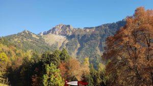 Les Rochers de Naye au dessus du château de Chillon