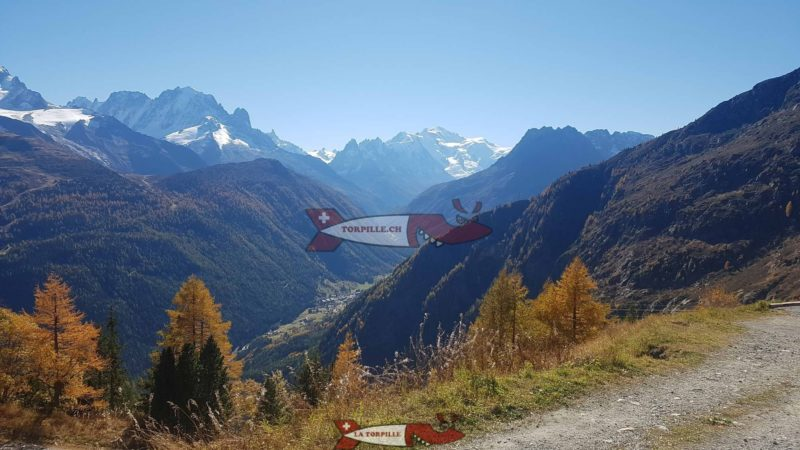 La vue sur le Mont-Blanc depuis le barrage d'Emosson est une des plus belle si ce n'est la plus belle sur le massif de Mont-Blanc