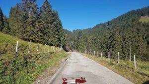 Route menant au barrage de l'hongrin