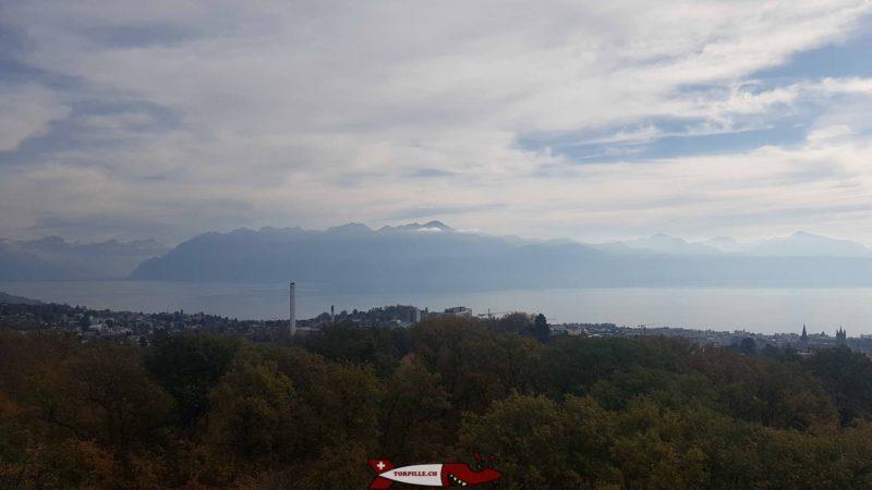 La vue sur les Alpes française depuis le sommet de la tour de Sauvabelin.
