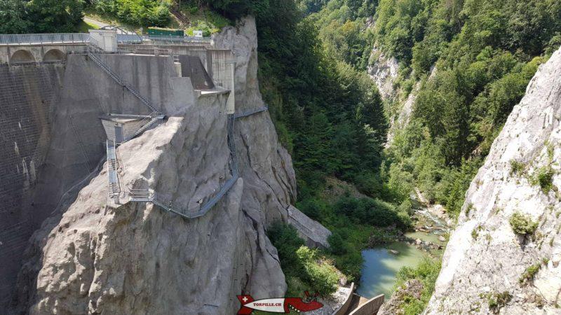 gorges de la jogne depuis le barrage de Montsavlens