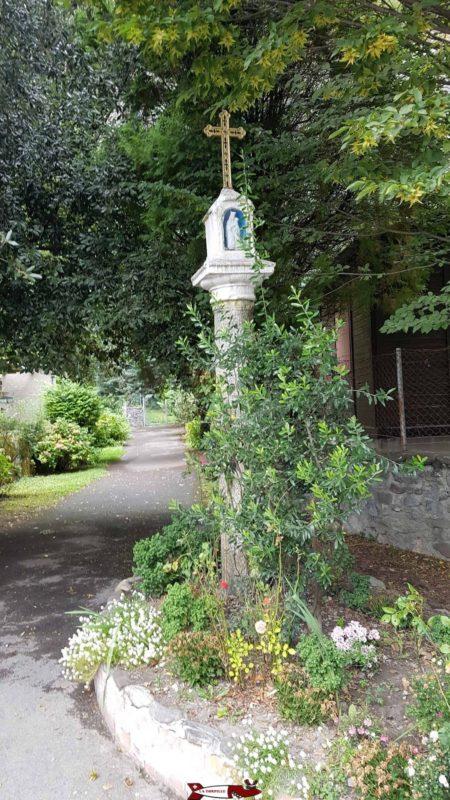 départ du sentier menant à la chapelle de Notre Dame du Scex