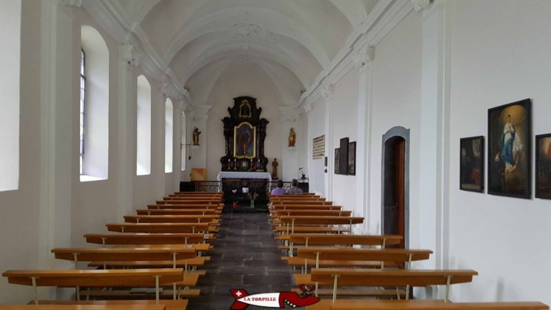 L'intérieur de la chapelle notre dame du scex