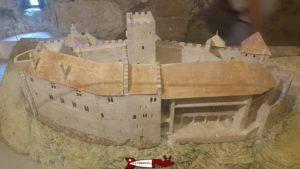 Une maquette de l'oval rocheux sur lequel repose le château de Chillon.