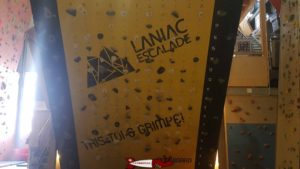 Un moonboard à laniac escalade Bulle