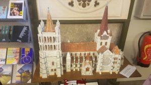 La cathédrale de Lausanne en maquette au bas du beffroi