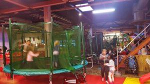 Trampolines à l'espace junior Aigle