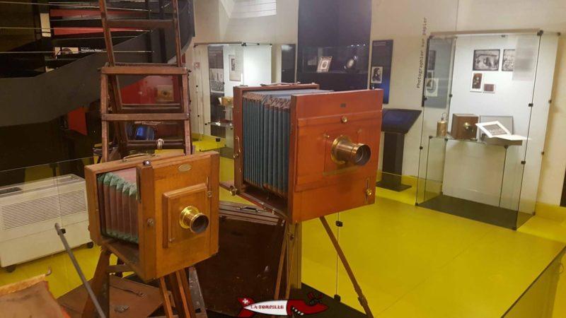 Un des premiers appareils photographique du Musée suisse de l'appareil photographique