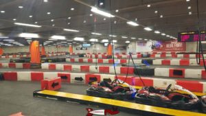 Fun Planet Rennaz karting track on the ground floor.