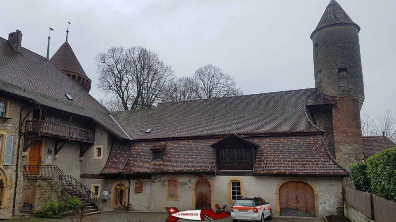 La cour intérieure du château de chenaux
