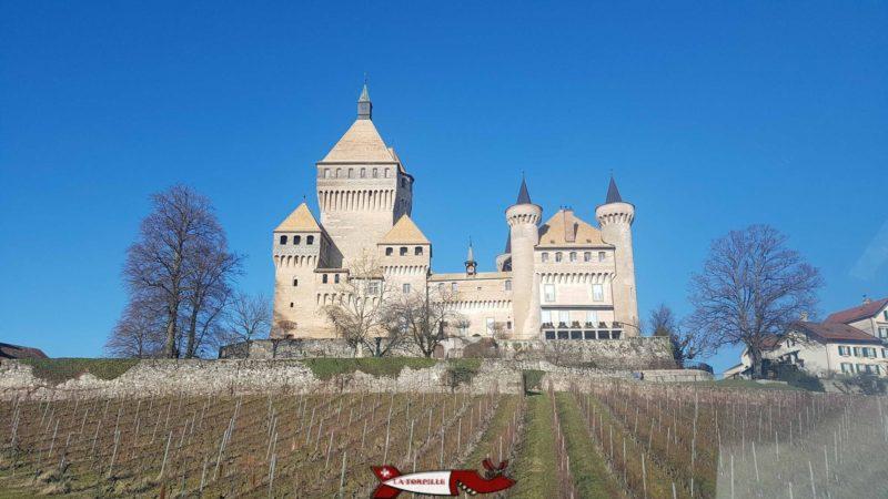 Vue côté Sud du château de Vufflens